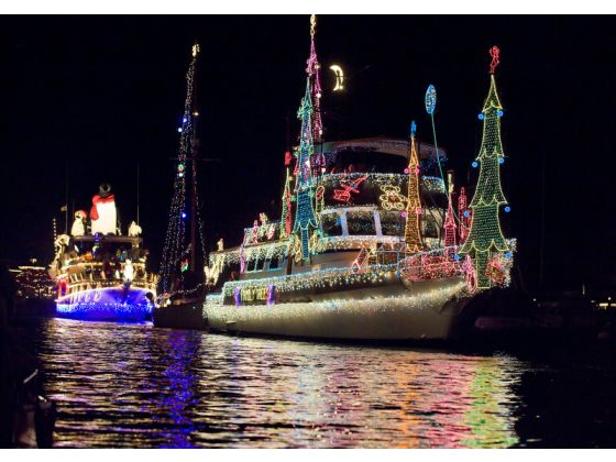 join daveys locker this holiday season with cruises in the 2012 newport beach boat parade